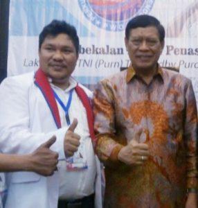 Foto: Yunius Lase (kiri)