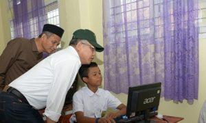 Wagub Tinjau Pelaksanaan UNBK Tingkat SMP di Nagan Raya