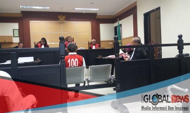 Photo Ketua majelis hakim, Gatot vonis bebas terdakwa H. Muliadi di PN Tangerang, Senin (11/03/2019).