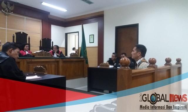 Photo Kombes Trisno Halomoan Siregar Wadirnarkoba Mabes Polri sebagai saksi ahli.