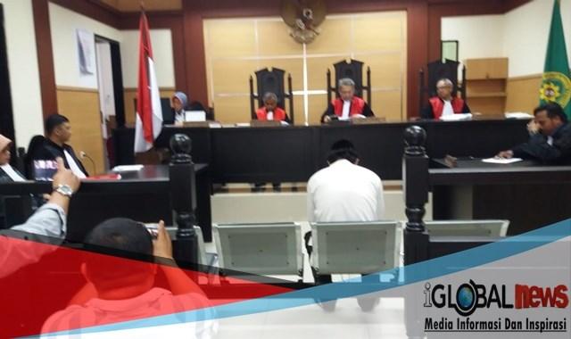 Hakim I Ketut Sudira Vonis Moh Fadilah, seumur hidup di PN Tangerang. Rabu 10 / 4 / 2019