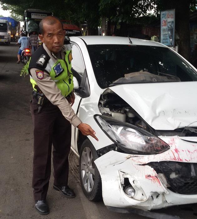 Gara Gara Handphone, Terjadi Kecelakaan Beruntun Di Bitung Tangerang