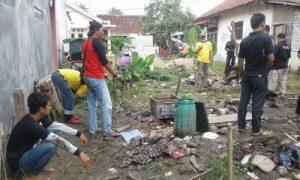 Pemkab Tangerang Bersama LSM Geram Banten Bedah Rumah Kakek Sarnata, Warga Jayanti 2
