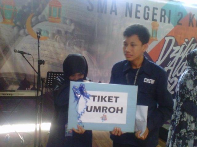 Dua Orang Siswa Sman 2 Kota Serang Diberangkatkan Ibadah Umroh Iglobalnews