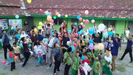Fakultas Hukum Untirta Gelar Lakukan Kegiatan Trauma Healing di Desa Kranggot