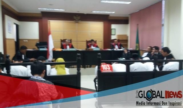Memproduksi narkoba Jenis Pil PCC sebanyak 1.2 ton hanya di vonis antara 9 - 14 Tahun Penjara di PN Tangerang Senin 15 / 4 / 2019