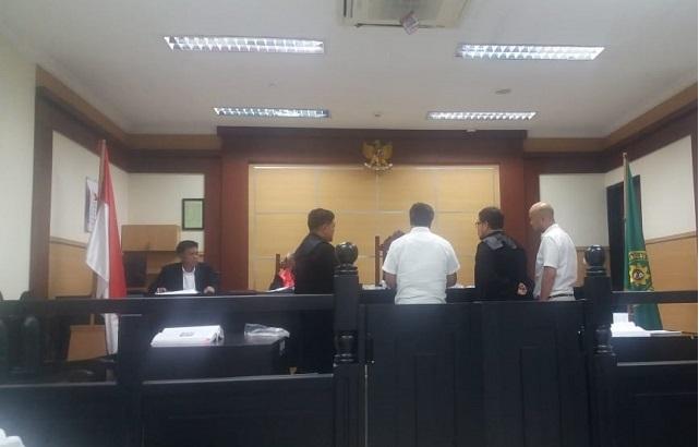 Hendra dari bagian Marketing PT. WMM membenarkan ada Produknya yg ditarik dari Pasar, senin 30 / 9 / 2019 di PN. Tangerang.