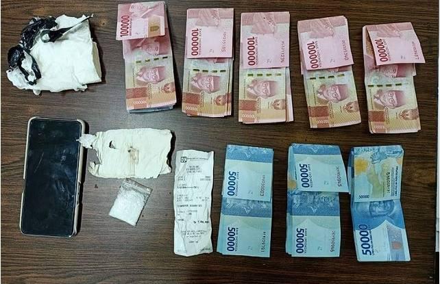 Barang bukti dari penangkapan pelaku pengedar shabu