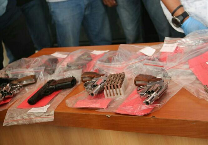 Satuan Reserse Kriminal Polresta Tangerang mengamankan 9 pucuk senjata api dan ratusan butir peluru tajam