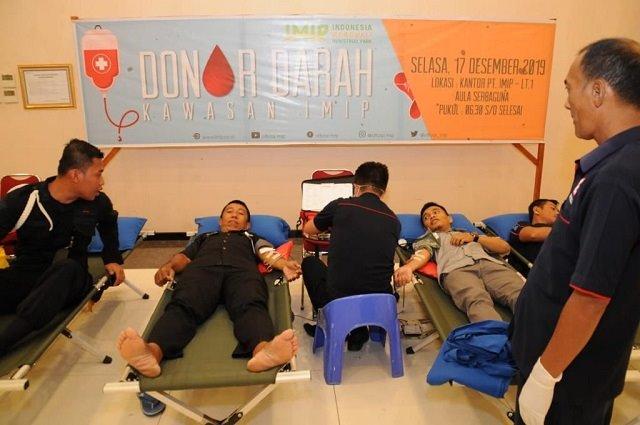 Photo Nampak karyawan PT IMIP antusias mengikuti aksi Donor.