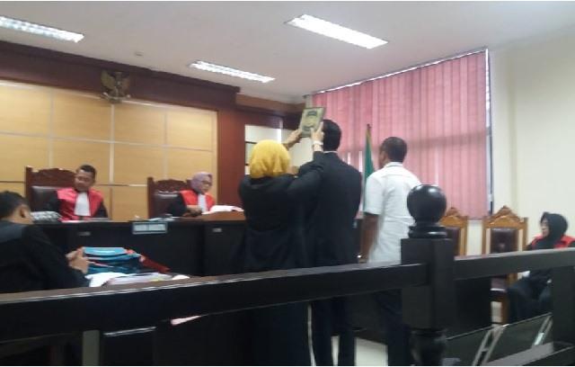 Dwi Seno Wijanarko sebagai saksi ahli dalam sedang Penelantaran Umroh, Senen (13 /01/2020) di PN. Tangerang.