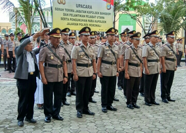 Photo PelantikanPejabat utama dan Kapolsek jajaran Polres Morowali. (Dok.