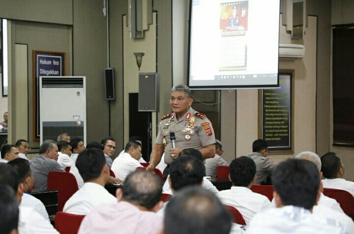 Kapolda Sumut Irjen Pol. Drs. Martuani Sormin, M.Si