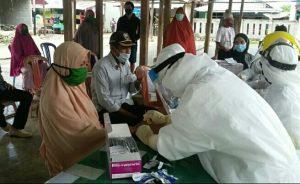 Ratusan Masyarakat desa Nambo kecamatan Bungku Timur jalani Rapid Test.