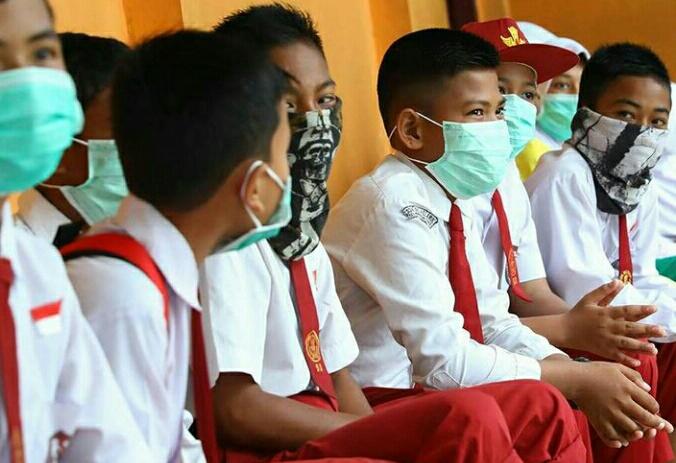 Anak usia sekolah rentan diserang virus corona.