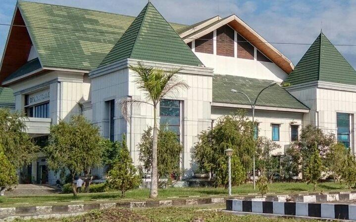 Photo kanto DPRD Morowali, (sumber Google).